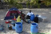 Malawi_2006-11-05_08.29.35_(_DSC5984)_Chisimulu_the_boat_crew.jpg