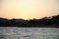 Malawi_2006-11-06_17.38.43_(_DSC6043)_Kust_Tanzania.jpg