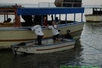 Malawi_2006-11-09_05.28.24_(_DSC6166)_Chiofu_boot_uitladen.jpg