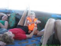 Malawi_2006-11-11_11.58.38_(IMG_0189)_Zwaar_leven_op_de_boot.jpg