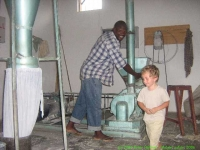 Malawi_2006-11-14_10.09.26_(IMG_0243)_Mackenzie_project.jpg